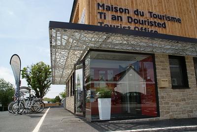 Auvent Maison du Tourisme - Plestin ( Côtes d''Armor)