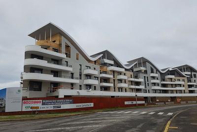 Résidence Nouvelle Vague: garde-corps et balcons