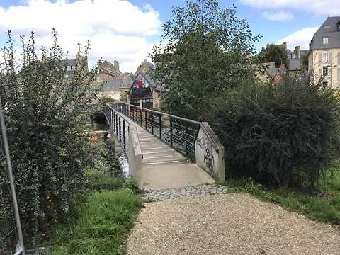 ARCOM : nouvelle passerelle sur le Trieux à Guingamp img0842