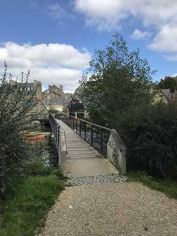 ARCOM : nouvelle passerelle sur le Trieux à Guingamp img0844