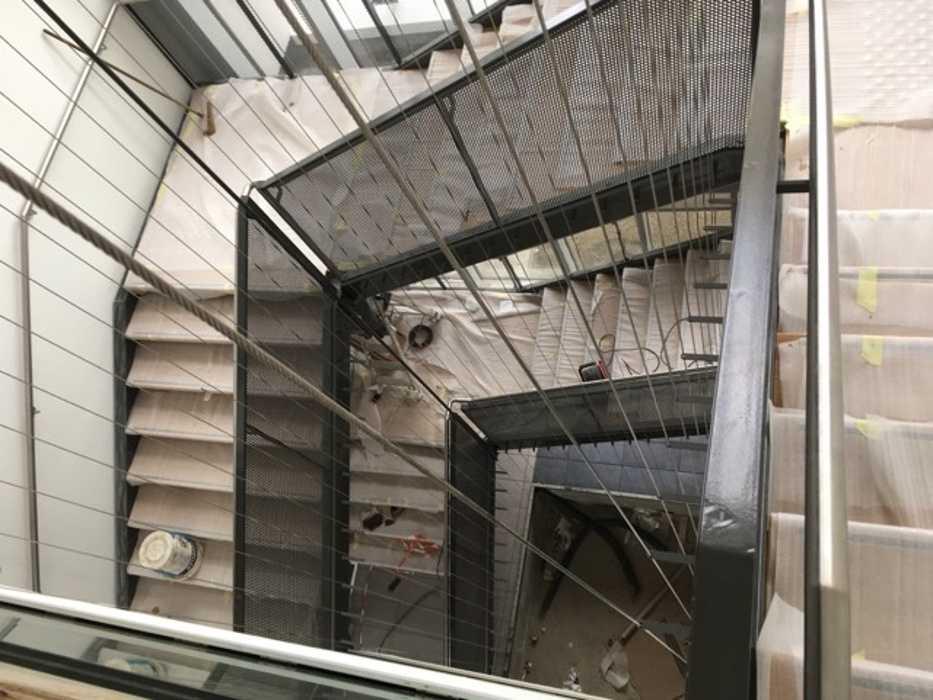 Escalier métallique avec main courant en inox - Saint-Brieuc (22) 0