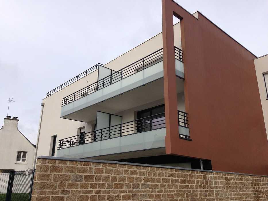 Garde-corps vitrés, mains courantes et séparatifs de balcons 0