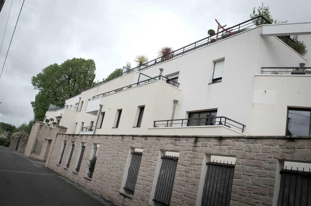 Garde-corps balcons, pare-vue, portail et grilles de clôture acier 0