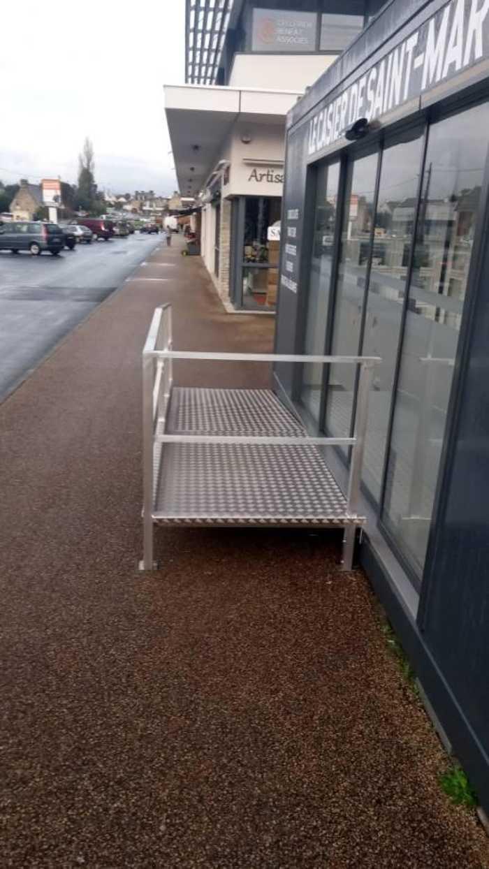 Fabrication rampe alu accès handicapé - Lannion 1611336451087