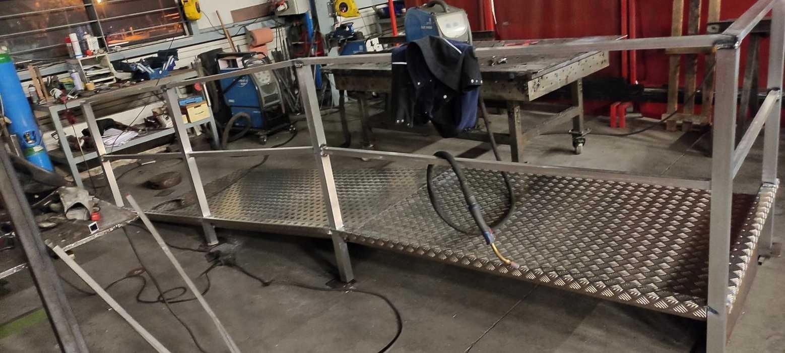 Fabrication rampe alu accès handicapé - Lannion 1611336533976