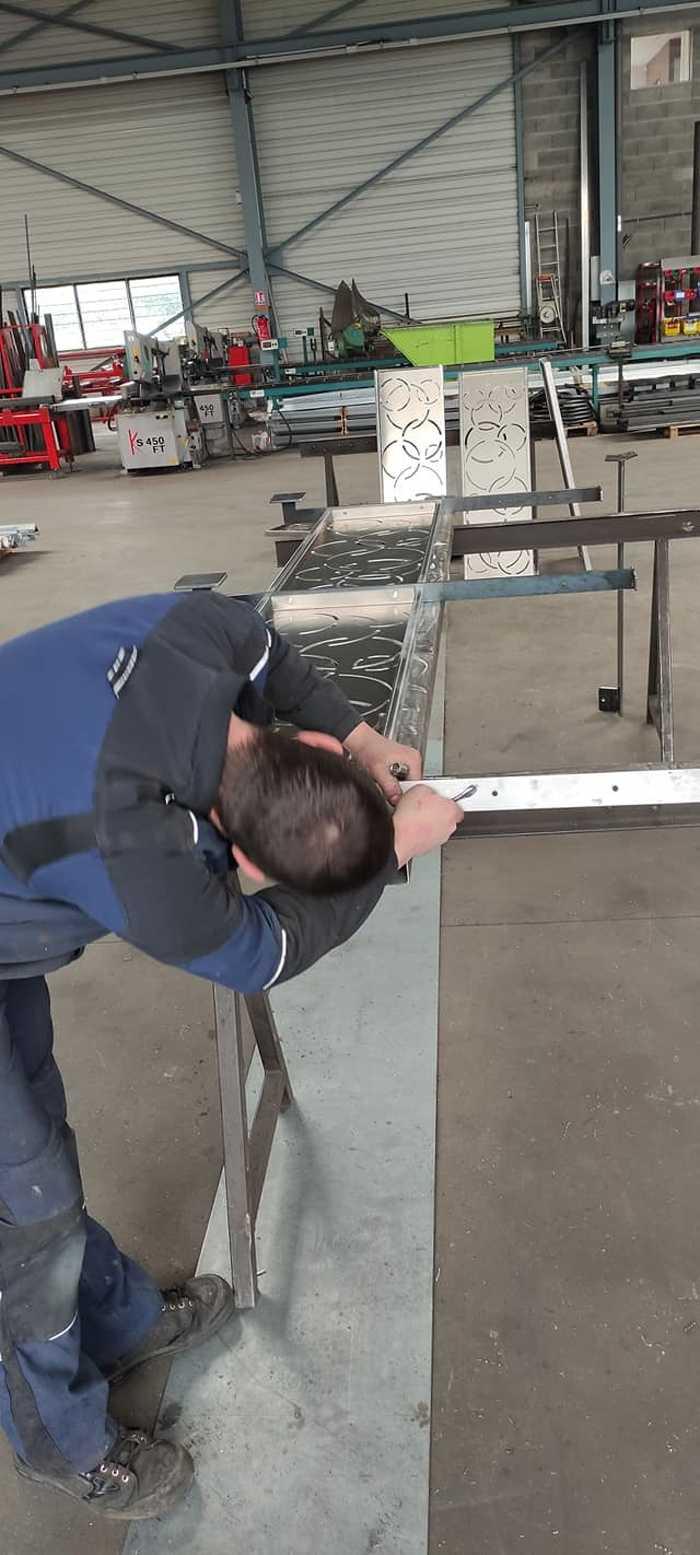 Garde-corps tôle découpe laser -création Arcom a2