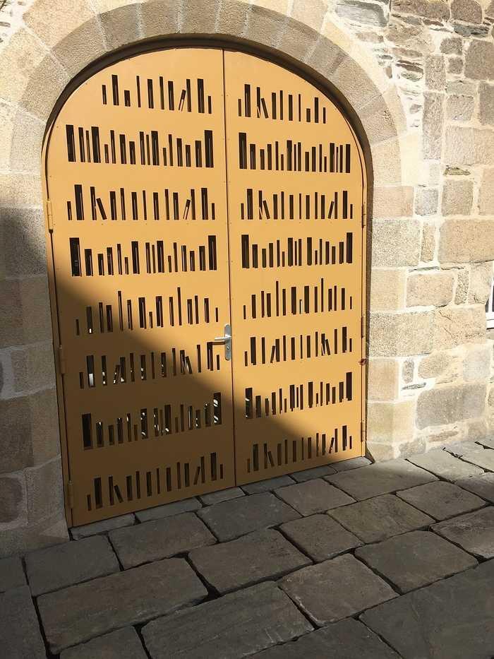 Porte découpée au laser - Lannion 0